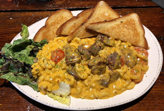Molly Pitchers - BLT Pasta with Beef Tenderloin