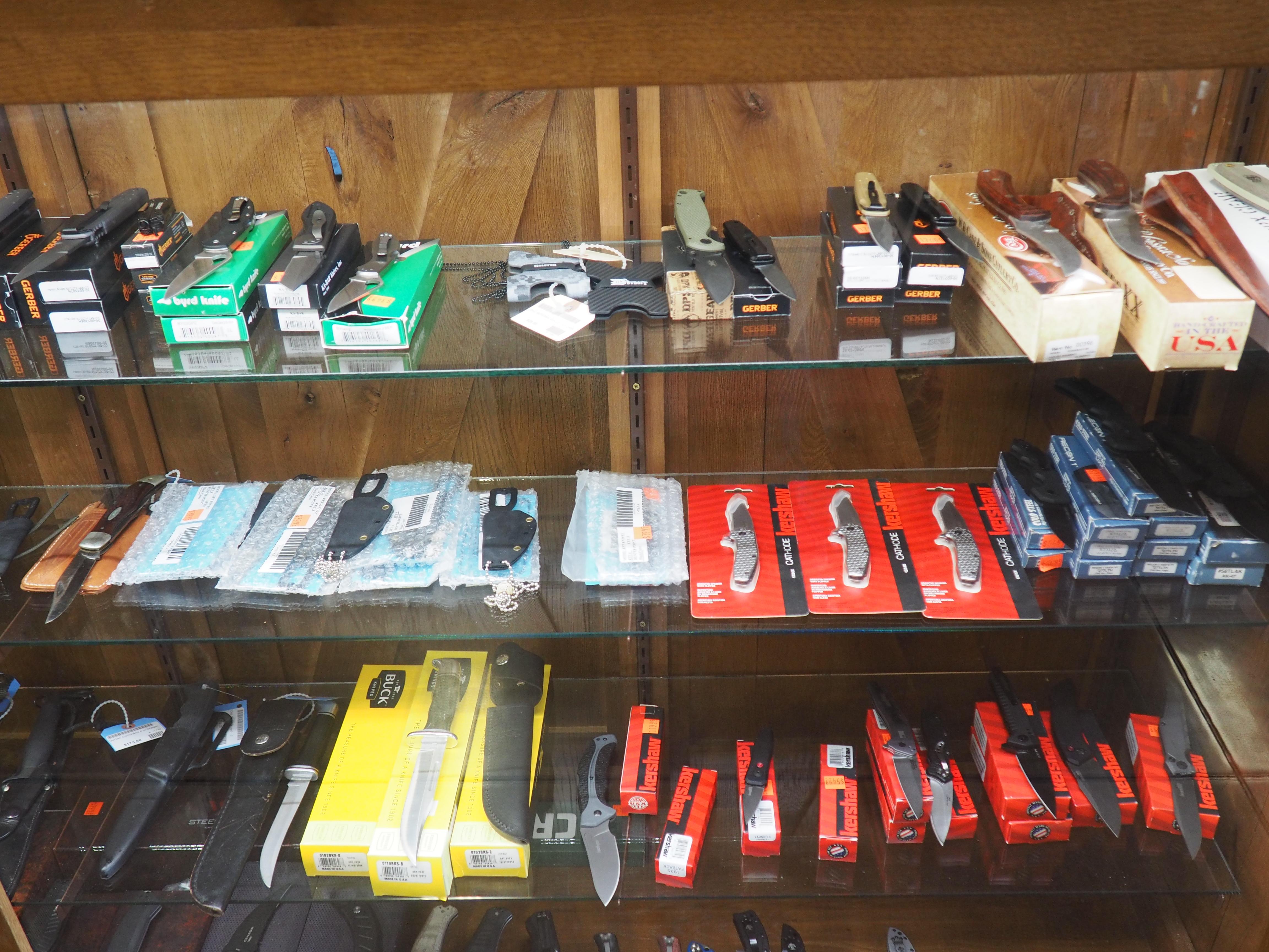 Huron Valley Guns - Hunting Knives
