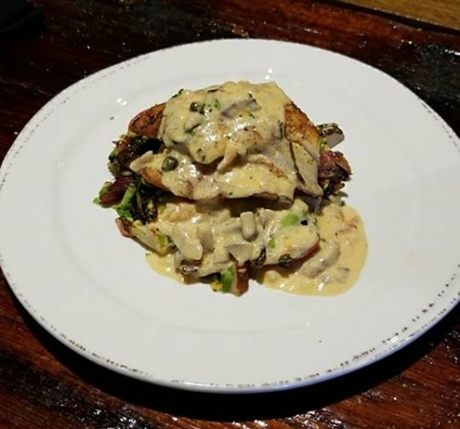Molly Pitchers - Snapper with Lobster Sauce